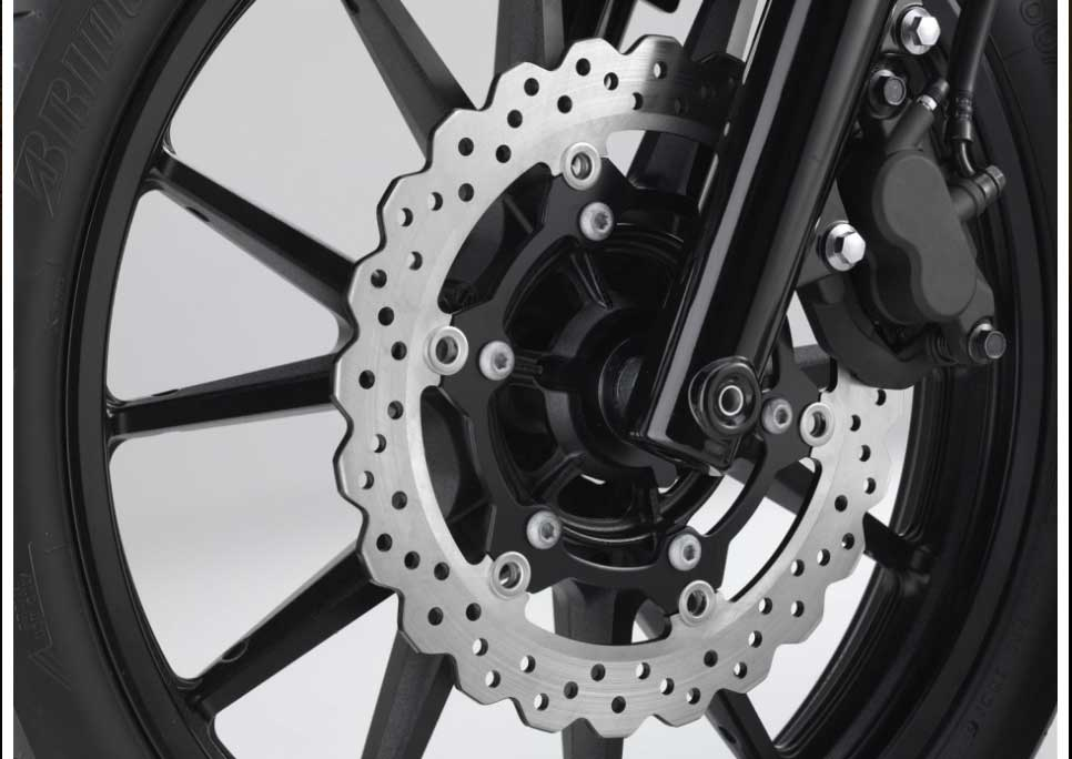 The 298mm front disc brake and 298mm rear disc brake both use wave rotors, the style usually found on sport bikes. The front brake uses a floating-mount for great heat-distortion resistance, contributing to excellent braking performance.